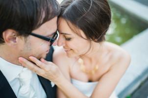 couple portraits during a wedding, belvoir park, zurich, switzerland